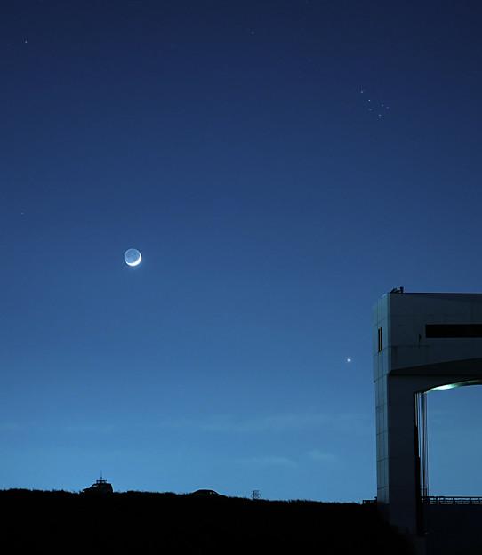 月と金星、そしてプレアデス星団