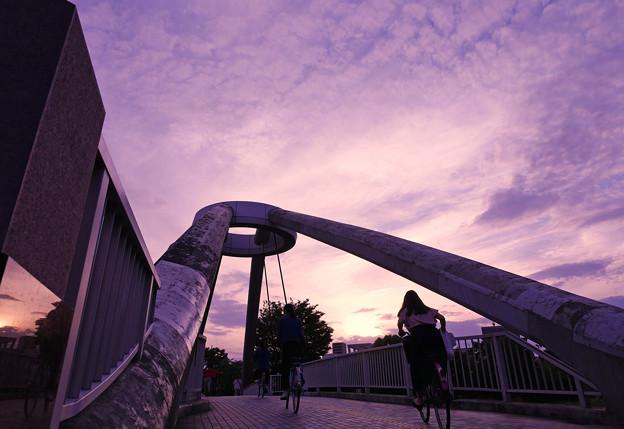 夕暮れ~歩行者自転車専用橋