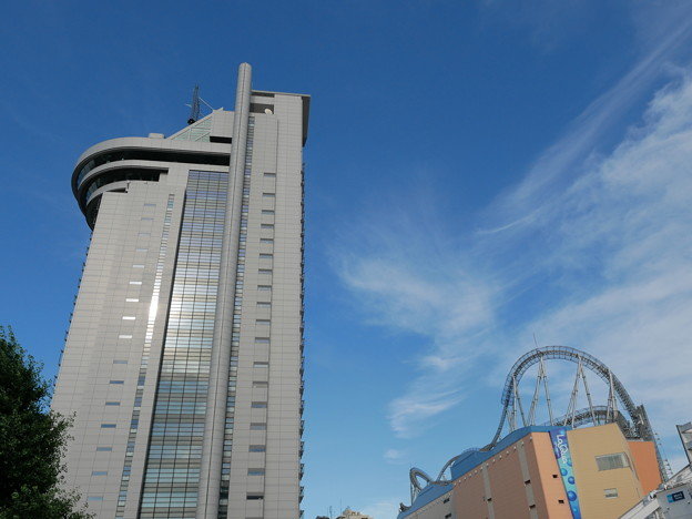 写真: 文京シビックセンター、東京ドームシティ ラクーア