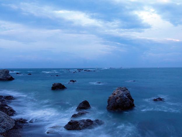 曇天、強風の夜明け1