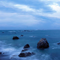 写真: 曇天、強風の夜明け1