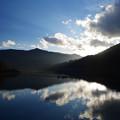 斜陽の奥多摩湖