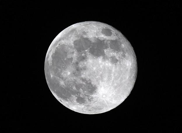 令和初満月