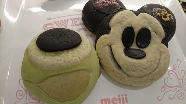 マイクとミッキーのパン