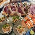 Photos: 八海山サーモンの筋子乗せ・鰹塩たたき・アジ胡麻和え海鮮三種盛り