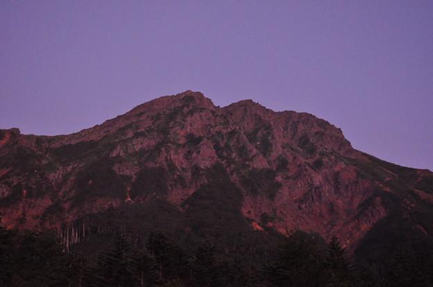夏登山 赤岳3 赤く染まる山
