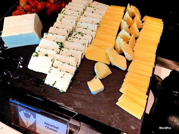 ナットもチーズもあるPPHバイキング朝食