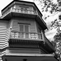 Photos: 建物を1周するベランダ