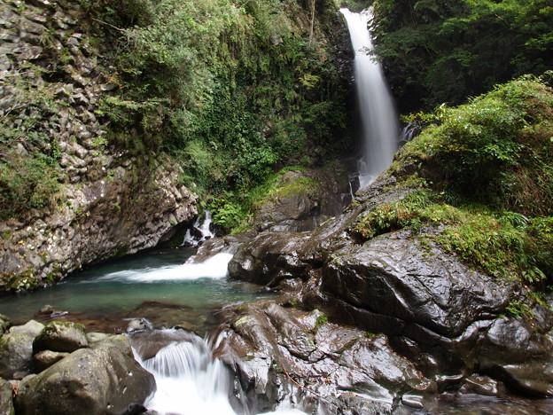 秋の日の釜滝