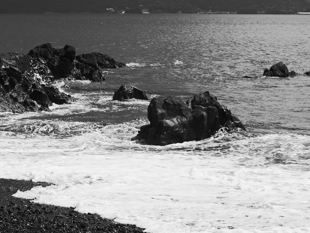 過ぎゆく夏のさざ波