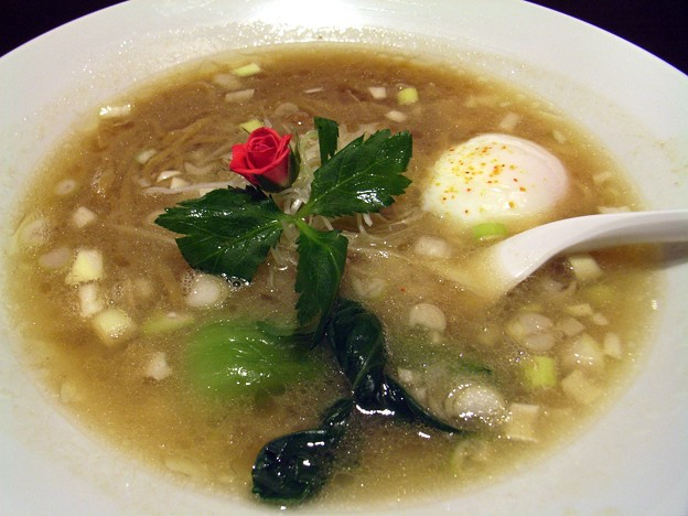 Photos: 濃厚牛骨スープ 牛煮込みのせ@ラーメンファンタジスタ・ながの東急