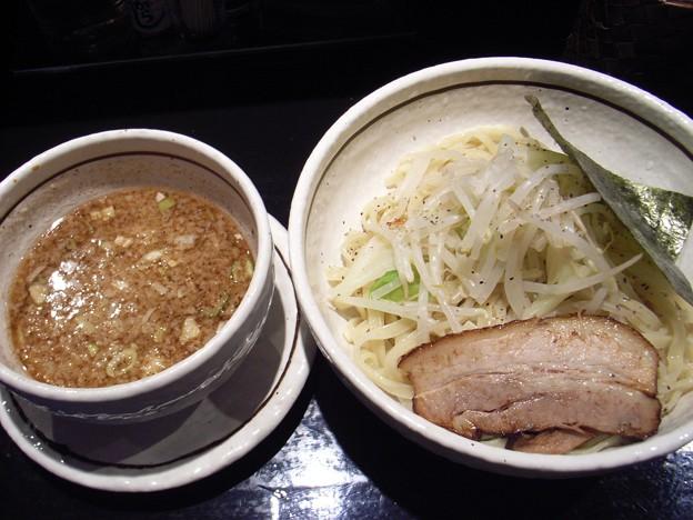 写真: 濃厚つけ汁ソバ@FRIDAY勝田店・ひたちなか市