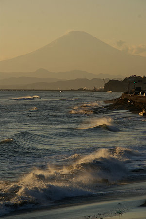 荒れる海岸0110b