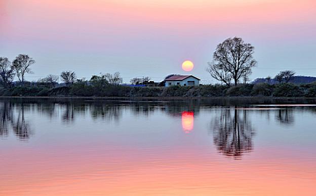 写真: 静かな落日