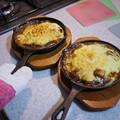 Photos: 石焼き鍋用の木皿がぴったり