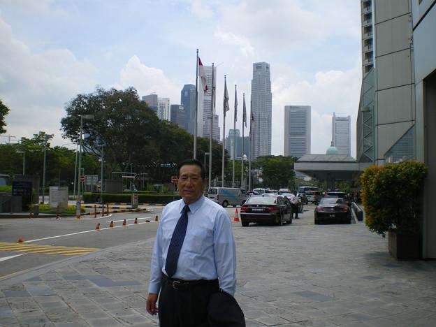 Photos: 2008_1212_150201-ホテル前から仕事場へ