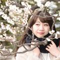 Photos: MomokoとJapanese apricot