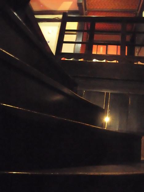 階段が急すぎ