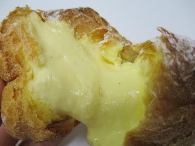濃厚バニラカスタードのシュークリーム
