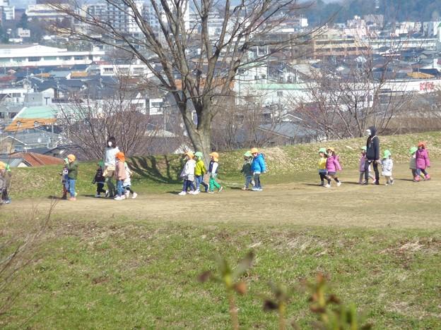 16-早春の丘陵公園