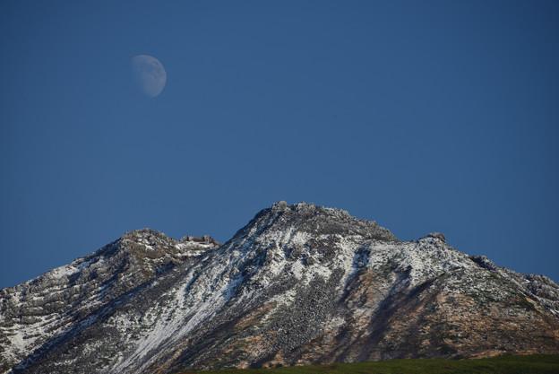 Photos: 新山の月