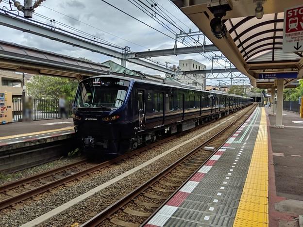 相鉄12000系・緑園都市駅通過