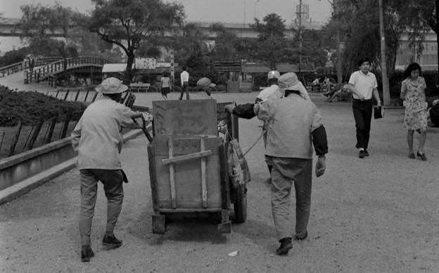 中の島公園のゴミ収集車 1969年
