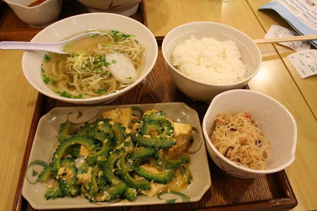 富岡ジャスコ伝説の沖縄料理定食(2008年、宮部香奈)