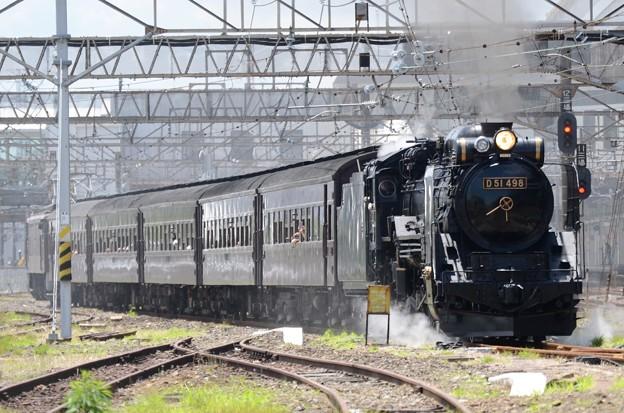 D51 498牽引「SL本物の出会い栃木号」小山発車