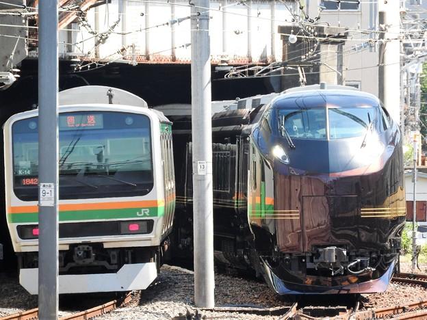 写真: E655系「和(なごみ)」上野入線