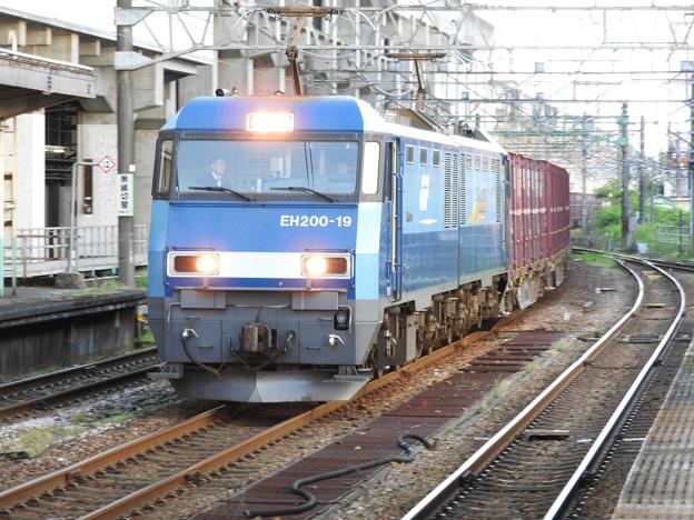 EH200-19号機牽引6082レ長岡通過