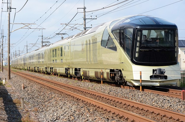 TRAIN SUITE四季島通過