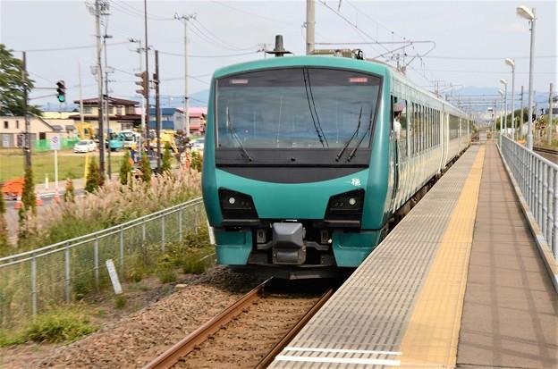 HB-E300系「橅」編成リゾートしらかみ1号新青森発車