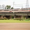 写真: 思川橋梁を渡る東武6050系