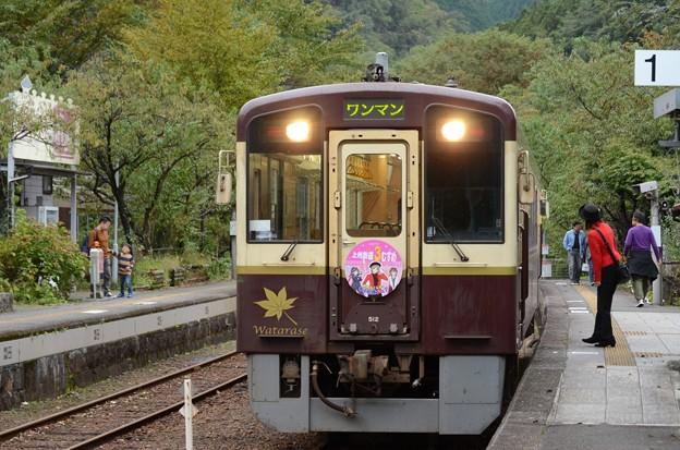 わたらせ渓谷鐡道WKT-512神戸駅到着