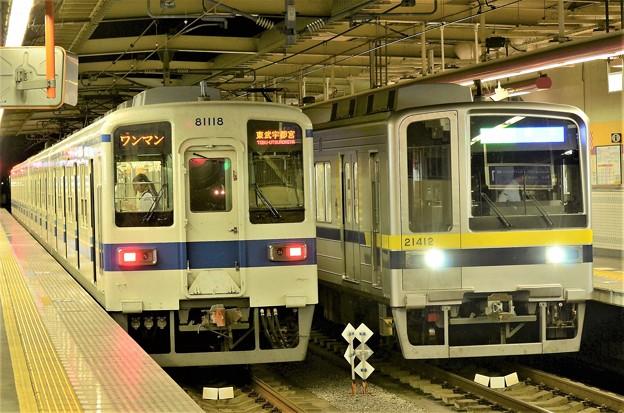東武宇都宮線新旧車両の並び(2)