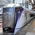 E353系新宿7番停車中