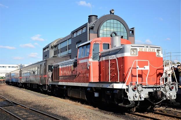 真岡鐡道DE10 1535号機+50系客車