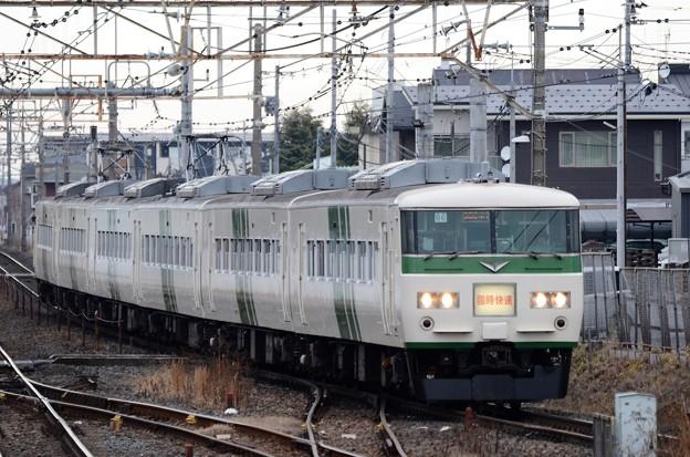 185系早春成田初詣号雀宮3番入線