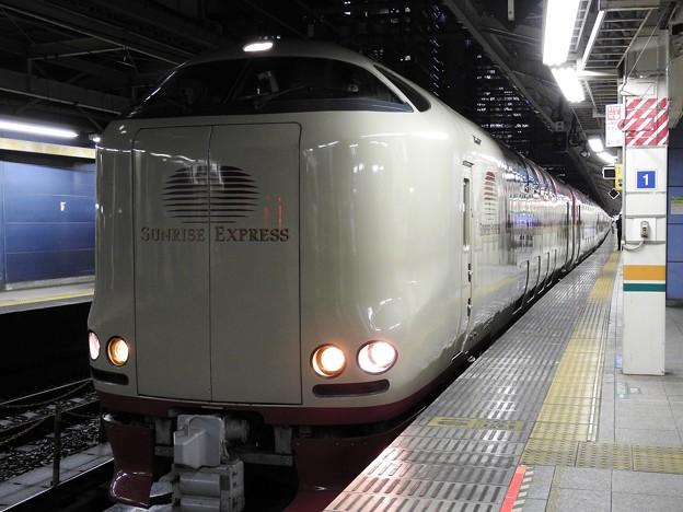 Photos: 寝台特急サンライズ間もなく発車