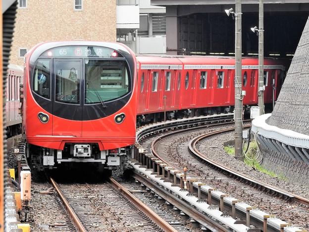 東京メトロ2000系池袋行き