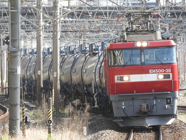 Photos: EH500-38号機代走牽引石油返空5582レ