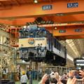 国鉄色塗装のEF64 1037台車載せ実演