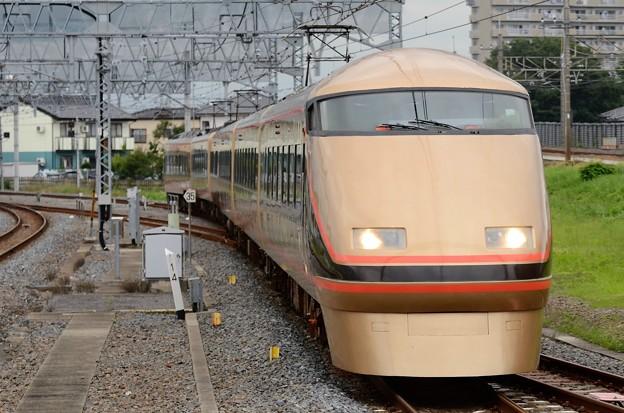東武100系特急きぬ138号栗橋通過