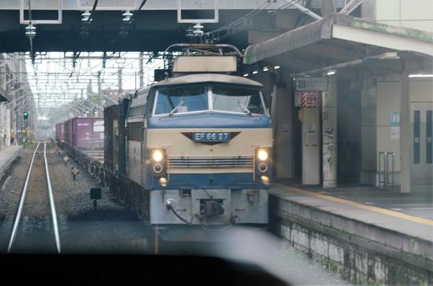 EF66 27号機牽引4093レすれ違い