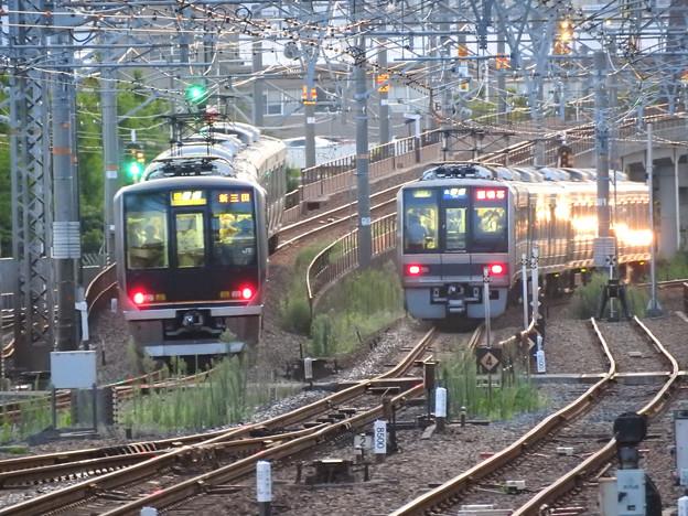 JR神戸線・宝塚線尼崎同時発車