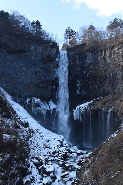 冬の華厳の滝