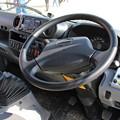 写真: 大阪市環境局 塵芥車(車内)