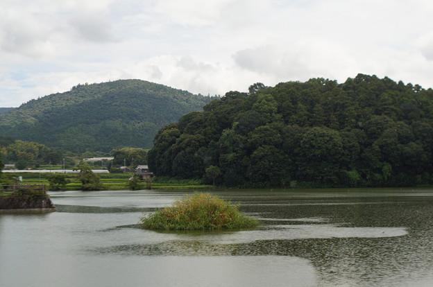 Photos: 箸墓古墳と三輪山