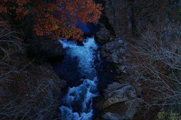 181111_F27_橋から眺め・S18200・α60(吹き割の滝) (3)